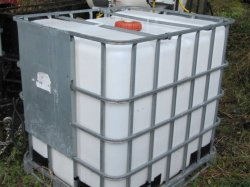 1000 Litre Poly Water Storage TANKS/Tote & 1000 Litre Poly Water Storage TANKS/Tote [1000LTTOTE] : AquaPura ...